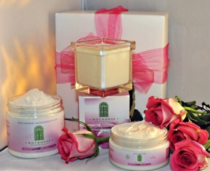 Luxurious Bourbon Geranium Gift Box